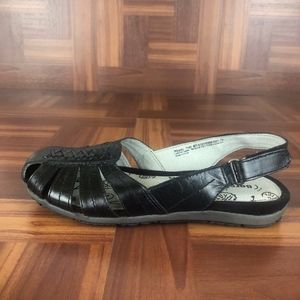 BARETRAPS READY Black Leather Slingback Sandals